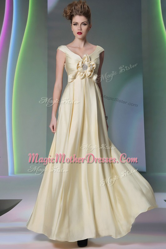 Romantic Light Yellow Scoop Side Zipper Beading and Ruching and Hand Made Flower Mother Of The Bride Dress Cap Sleeves