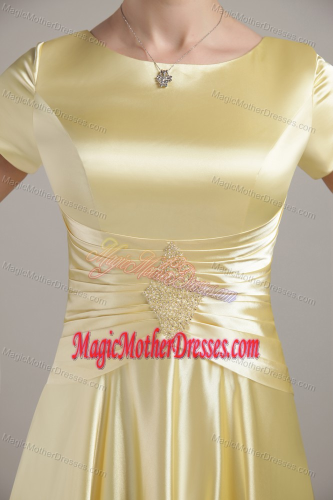 Scoop Ruched Yellow Beading Short Sleeves Mother Dress in Edison