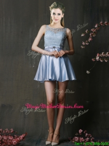 Fashionable Light Blue Short Mother of Groom Dresses with Lace and Belt