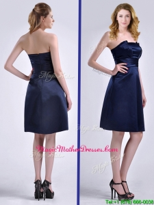 Luxurious Strapless Zipper Up Ruched Mother Of The Bride Dress in Navy Blue