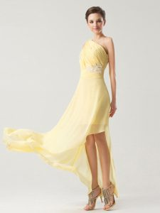 Low Price Light Yellow One Shoulder Neckline Beading and Ruching Mother Of The Bride Dress Sleeveless Side Zipper