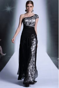Chic One Shoulder Lace Floor Length Column/Sheath Sleeveless Black Mother Of The Bride Dress Side Zipper