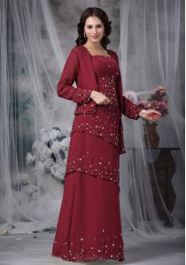 Floor Length Zipper Mother of Groom Dress Burgundy for Prom and Party with Beading