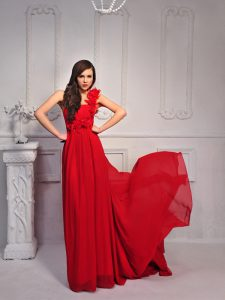 One Shoulder Sleeveless Silk Like Satin With Train Court Train Lace Up Mother of Groom Dress in Red with Hand Made Flower