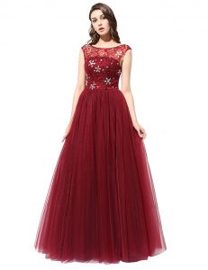 Best Scoop Sleeveless Tulle Floor Length Zipper Mother of the Bride Dress in Burgundy with Beading