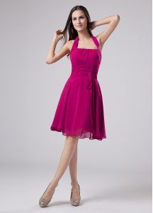 Custom Made Fuchsia Chiffon Zipper Halter Top Sleeveless Knee Length Mother Of The Bride Dress Ruching