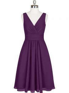 Nice Sleeveless Chiffon Knee Length Zipper Mother Of The Bride Dress in Purple with Pleated