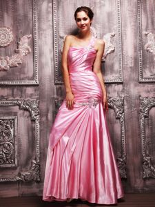 One Shoulder Floor-length Mother of the Bride Outfits in Rose Pink with Ruching
