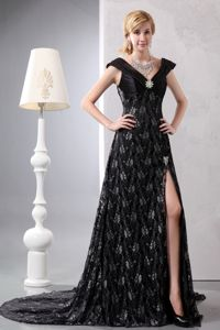 Black A-line V-neck Chapel Train Dress for Bride Mother with High Slit and Lace