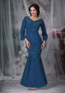 Long Sleeves Blue Mermaid V-neck Beading Mother Dress in Llandegla Clwyd