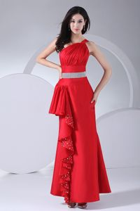 Cushendun Antrim Beading and Ruches One Shoulder Red Column Mother Dress