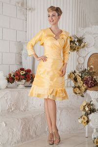 A-line Knee-length Ruched Yellow Mother Bride Dress in Friendsville
