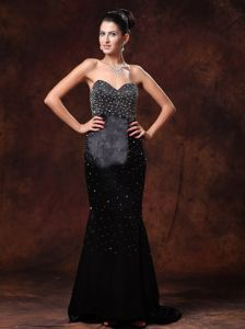 Black Sweetheart Brush Dresses For Bride Mother with Beading Decorate