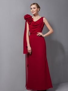 Column V-neck Red Mother of The Bride Outfits in Atoka with Flower