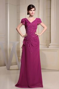 V-neck and Short Sleeves Fuchsia Mother of Bride Dresses with Beading