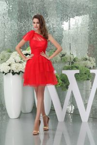 Mini-length Red Tulle Mother Of The Bride Outfits with One Shoulder