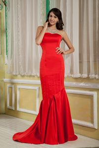 Mermaid Red Satin Mother Of The Bride Dress with Brush Train on Sale