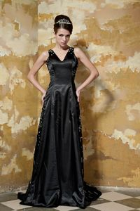 Black V-neck Sequined Mother Of The Bride Outfits with Brush Train
