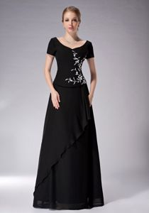 Black Applique Scoop Mother Of The Bride Outfits with Short Sleeves