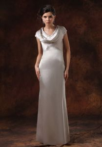 Satin V-neck Sliver Mother Of The Bride Dresses With Short Sleeves