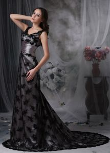 V-neck Black Beaded Court Train Dresses For Bride Mother with Lace
