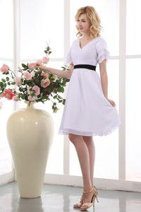 V-neck Chiffon Ruched Short Sleeves Mother Dress with Black Sash