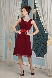 Square Burgundy Beaded Belt Ruched Chiffon Mother Bride Dresses