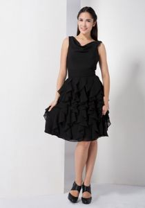 V-neck Ruffles Black Chiffon Mother Of Brides Dress in Plymouth