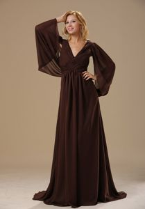 Brush Train V-neck Long Sleeves Brown Chic Mother Dress for Wedding