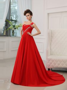 One Shoulder Beading and Ruching Mother Of The Bride Dress Red Zipper Sleeveless Court Train