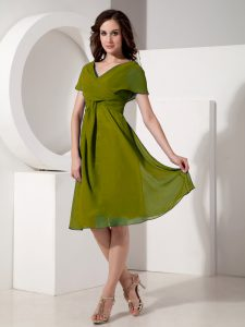 Ruching Mother Of The Bride Dress Olive Green Zipper Short Sleeves Knee Length