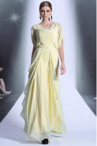 Unique Light Yellow Scoop Neckline Lace and Ruffles Mother Of The Bride Dress Short Sleeves Zipper