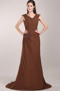 Chic Brown Column V-neck Mother Bride Dresses with Brush Train in Coquitlam