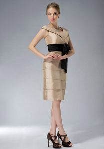 V-neck Ruched Taffeta Champagne Mother Dresses with Black Bowknot