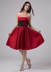Hand Made Flowers Belt Strapless Wine Red Mother Dresses in Durham